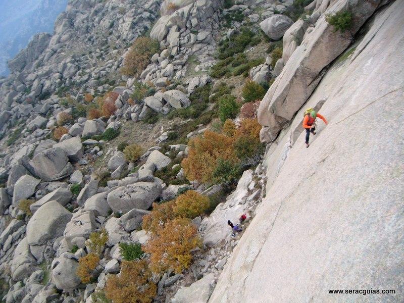 escalada Sirio Yelmo Pedriza 5 SERAC COMPAÑÍA DE GUÍAS