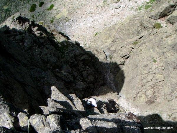 escalada Oeste Punta Margarita Galayos Gredos 6 SERAC COMPAÑÍA DE GUÍAS