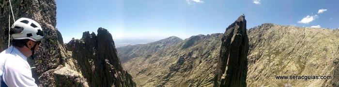 escalada Oeste Punta Margarita Galayos Gredos 8 SERAC COMPAÑÍA DE GUÍAS