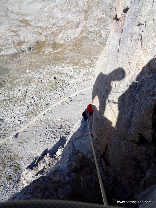 escalada arista cresta picos de europa 7 SERAC COMPAÑÍA DE GUÍAS