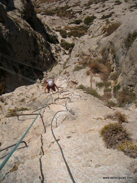 escalar ferrata 3 SERAC COMPAÑÍA DE GUÍAS