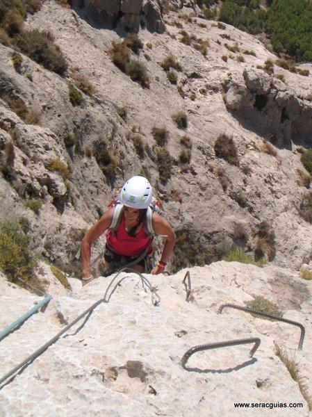 escalar ferrata 4 SERAC COMPAÑÍA DE GUÍAS