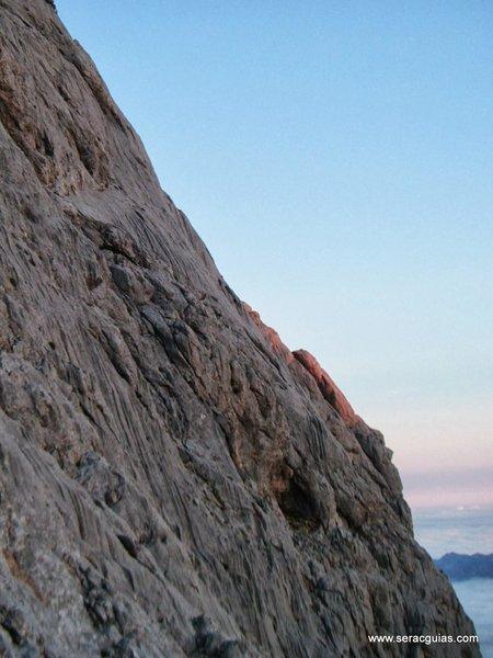 llambrialina cara norte naranjo de bulnes picos de europa SERAC COMPAÑÍA DE GUÍAS