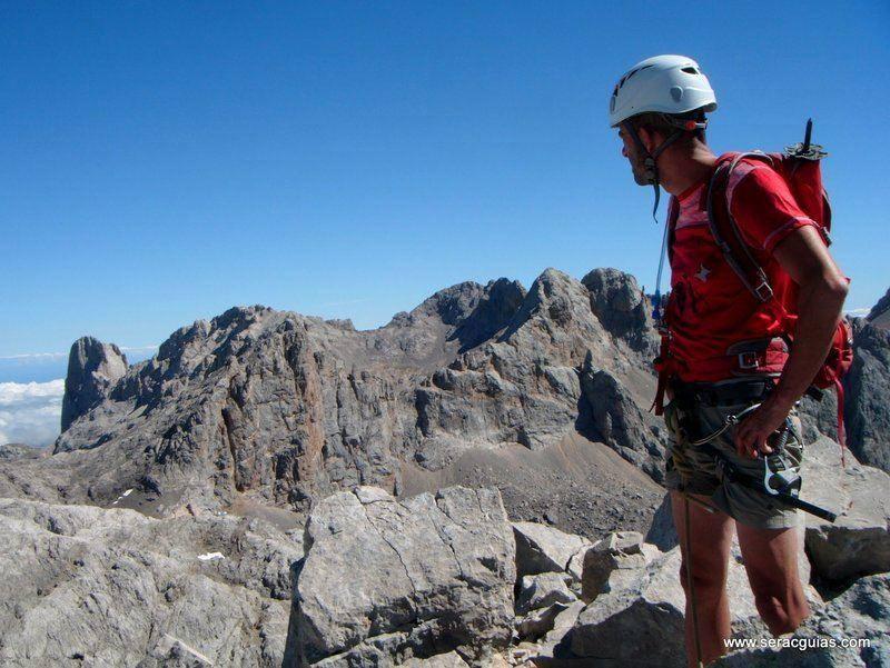 Escalada clasica Picos de Europa SERAC COMPAÑÍA DE GUÍAS