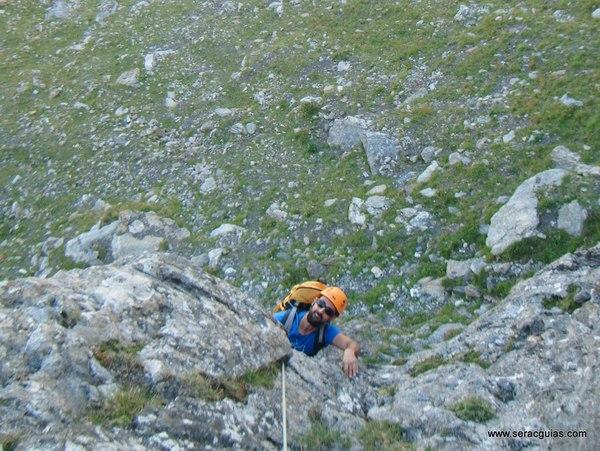 Aguja Portalet 2 Valle Tena Pirineo SERAC COMPAÑÍA DE GUÍAS