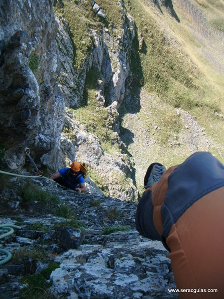 Aguja Portalet 5 Valle Tena Pirineo SERAC COMPAÑÍA DE GUÍAS