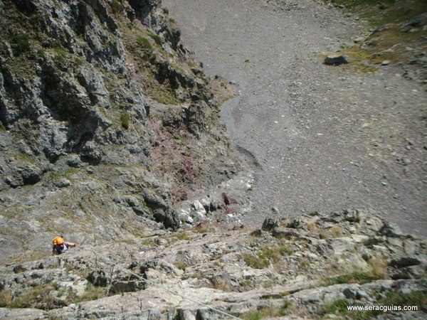 Balcones Anayet 3 Valle Tena Pirineo SERAC COMPAÑÍA DE GUÍAS