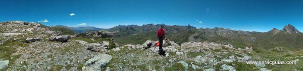 panoramica Valle Tena PirineoSERAC COMPAÑÍA DE GUÍAS
