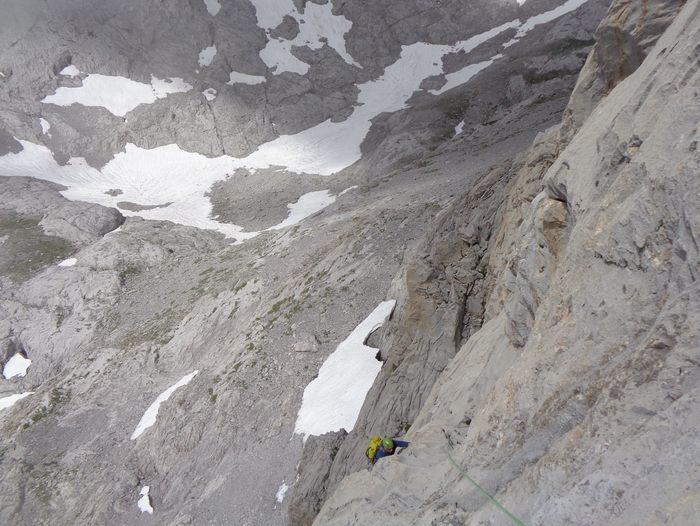 escalada Martingada San Carlos Picos de Europa 3 SERAC COMPAÑÍA DE GUÍAS