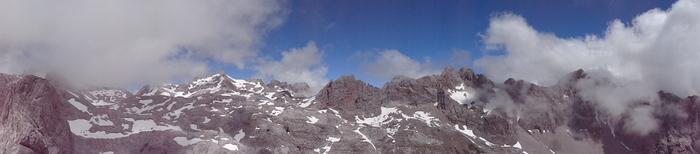 escalada Martingada San Carlos Picos de Europa 5 SERAC COMPAÑÍA DE GUÍAS
