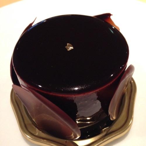 世界一のチョコレートケーキ!京橋『イデミスギノ』(HIDEMI ...