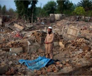 muslim-rohingya-sholat-dilempari-batu-oleh-polisi-dan-tentara-myanmar