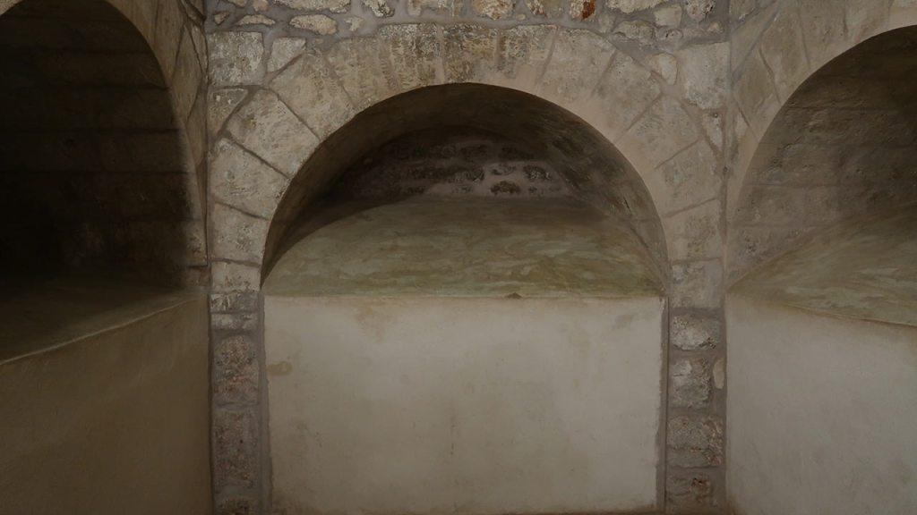 mardin kaya mezarı