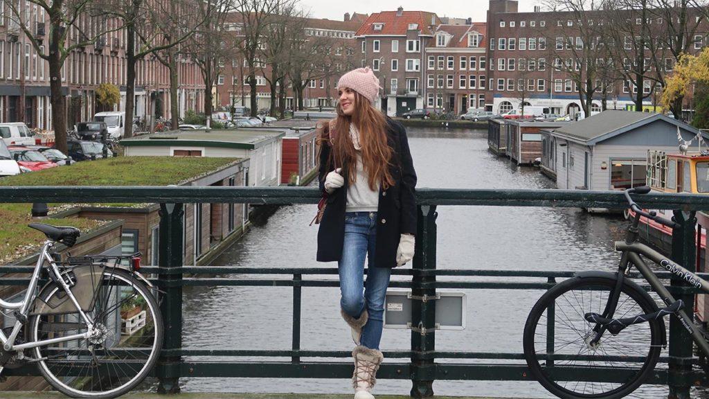 amsterdam yüzen ev