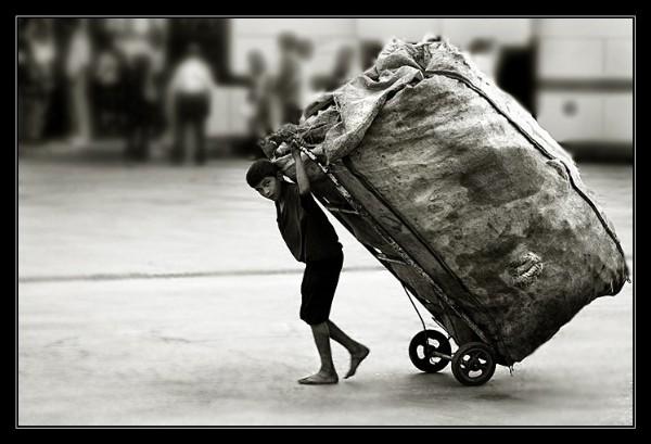 Çöp Toplayan Çocuk