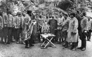 Момчило Гаврић са српским војницима | Momčilo Gavrić with other Serbian soldiers.