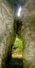 Као рецимо ову творевину. Шупљина у стени са неколико вигледи на таваници и остацима пећинске орнаментике (накита)