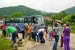 Аутобусом стижемо до саме стазе која води у кањон Великог Пека
