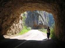дуж кањона Јерме