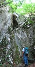 Пећина изнад воденице; с пролећа је ту феноменалан водопад!