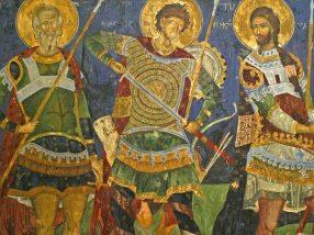 Свети ратници