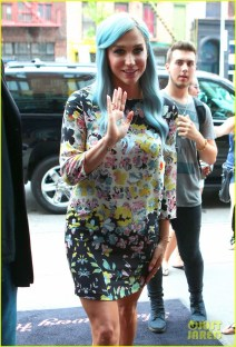 Kesha Shows Off Her Blue Hair Outside Her Hotel
