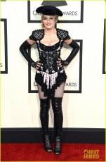 Madonna aparentemente não largou as DORGAS