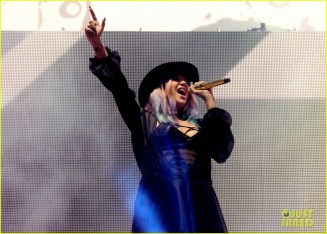 kesha-zedd-true-colors-coachella-2016-03