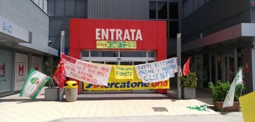 Mercatone Uno di Civitanova Marche – Protesta dei lavoratori