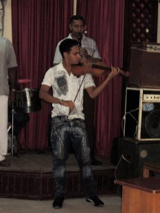 Baracoa, violonista en la Casa de la Trova 2012