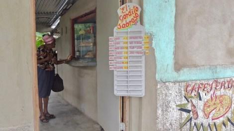 Une modeste cafeteria de Vista Alegre, Santiago de Cuba, 2015.
