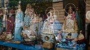 Virgenes de Regla et del Cobre dans une vitrine de Madrid, 2015.