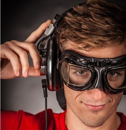 すぐわかる利き耳の3つの調べ方