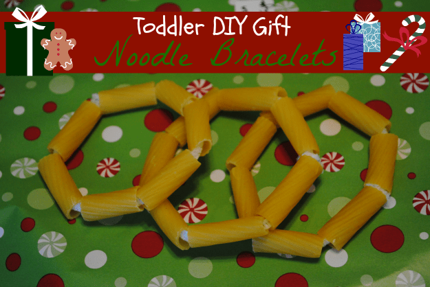 Holiday Toddler Crafts: Noodle Bracelet