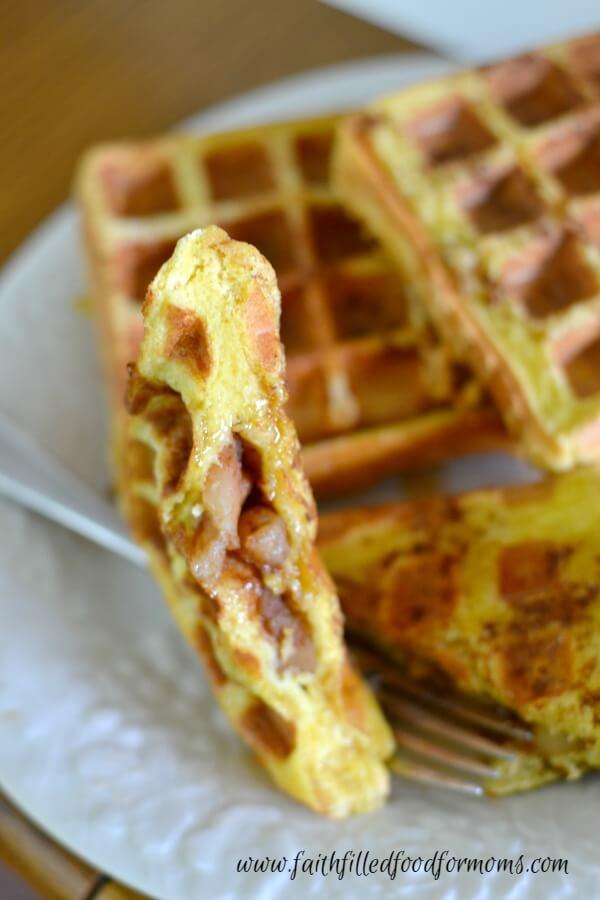 apple-stuffed-french-toast-waffles-6