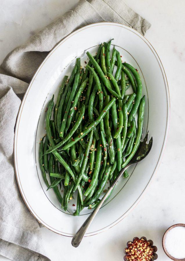 Spicy & Garlicky Indian Green Beans (Guferati)