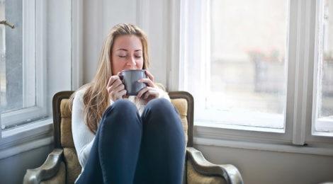 El secreto de beber un vaso de agua caliente por las mañanas