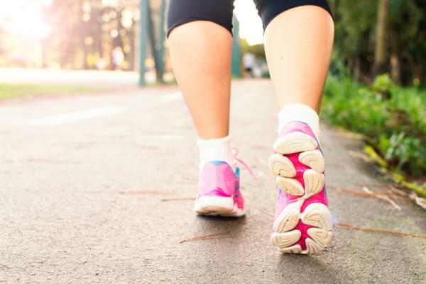 Caminar. Ejercicios para quemar calorías.