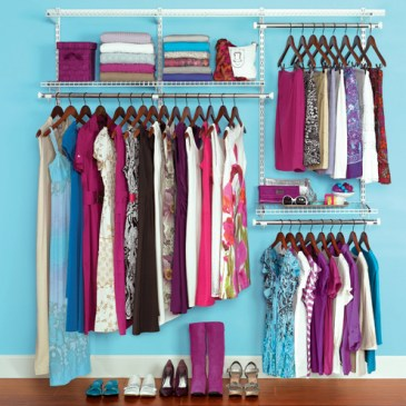 SPRING CLEANING IN A SNAP: Cleansing Closets
