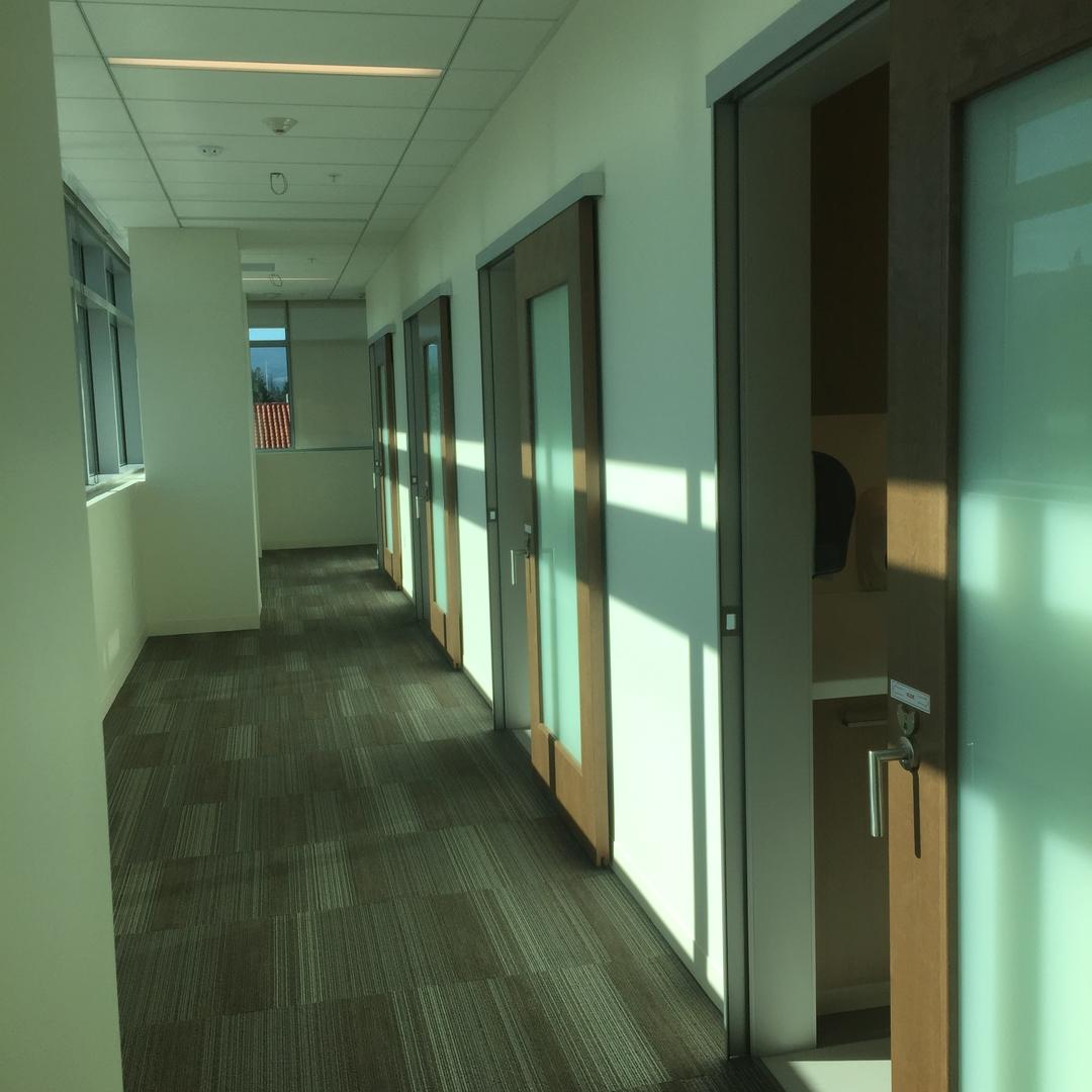 healthcare-hospitality-sliding-door-system-colorado-springs_Serenity Sliding Doors (3)