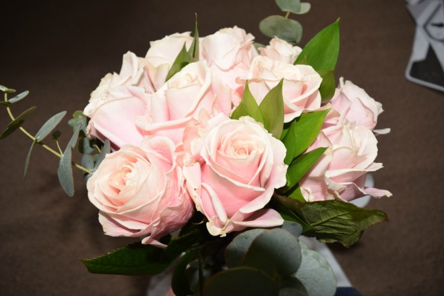 blossoming gifts - pink roses 1