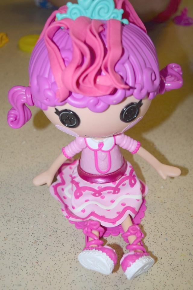 lalaloopsy-glitter-hair-dough-6