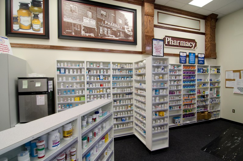 southeastern-products-harris-teeter-pharmacy-shelving