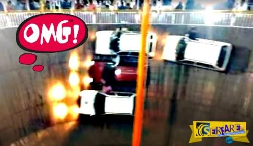 Ινδοί «τερμάτισαν» τον γύρο του θανάτου με τέσσερα αυτοκίνητα και τέσσερις μηχανές!