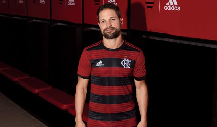 Novo uniforme I do Flamengo traz novo símbolo do clube. Estreia do Manto é  na Libertadores 56b5409f4352c