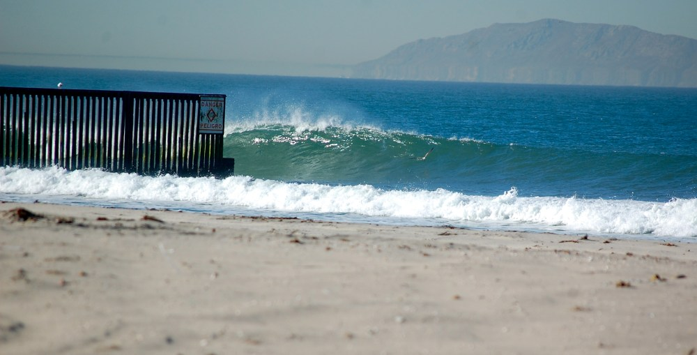 Surfing the U.S.-Mexico Border Fence (2/6)