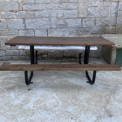 mesa madera y tubo en cercedilla