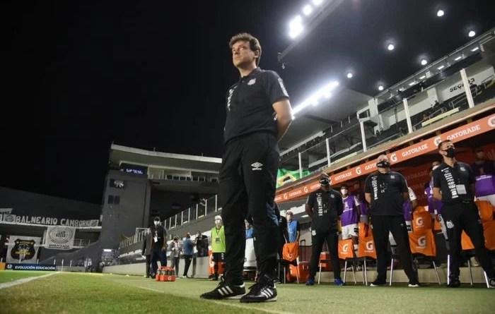 Após mais uma derrota Fernando Diniz deixa o Comando Técnico do Santos Futebol Clube