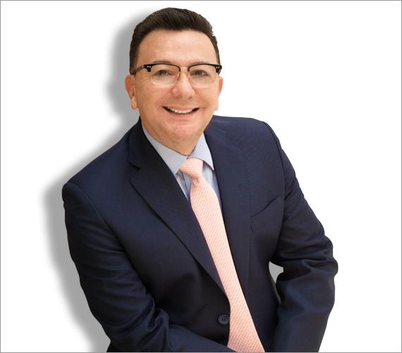 Médico Cirujano, Especialista en Medicina Estética, Estudios Especializados sobre Obesidad en la Universidad de Harvard