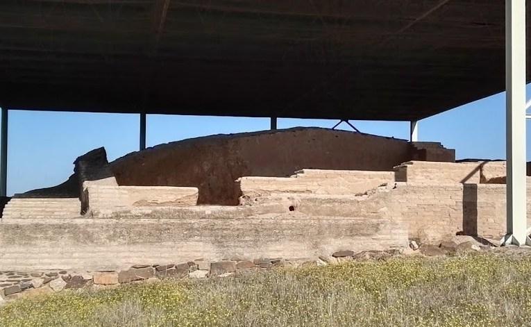 La vida en el edificio protohistórico de La Mata hace 2500 años (escenario de El secreto de Zalamea)